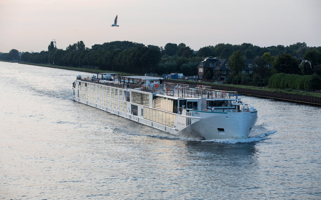 "River cruise vessel ""Crystal Bach"" with the technology of E-MS"