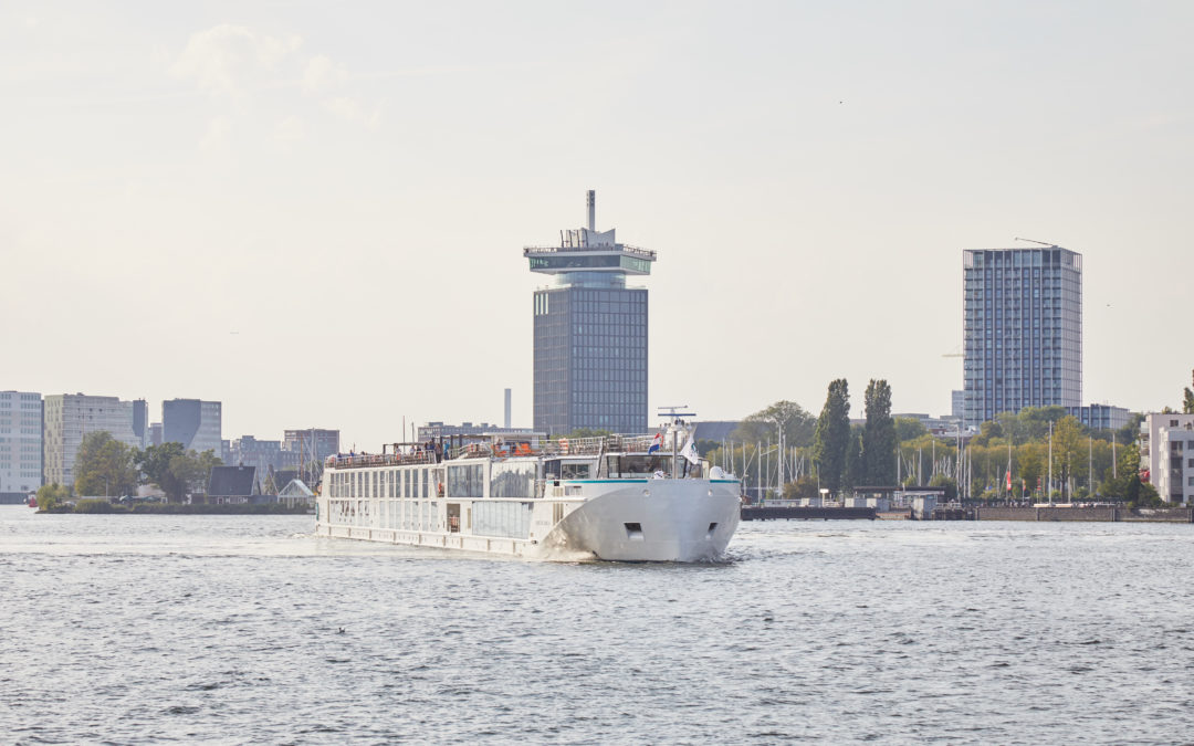 """River cruise vessel """"Crystal Mahler"""" successfully handed over"""